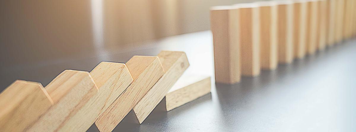 5 pomysłów na domino w przedwakacyjnym klimacie
